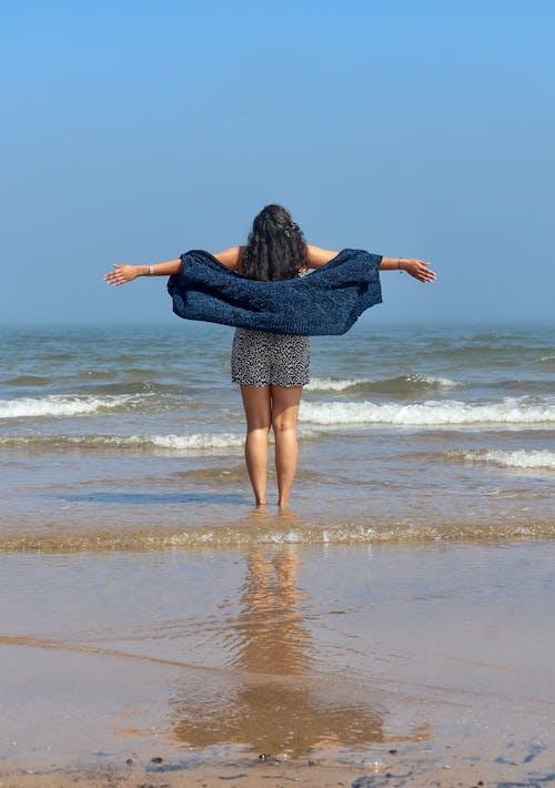 Immagine gratuita di acqua, cielo azzurro, divertimento