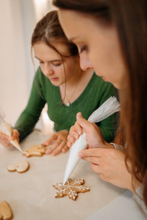 Základová fotografie zdarma na téma adolescent, cookies, facebook příběh, holky
