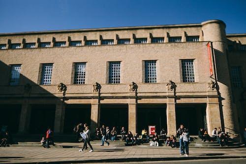 Immagine gratuita di adulto, architettura, biblioteca, città