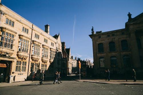Immagine gratuita di architettura, casa, castello, centro storico