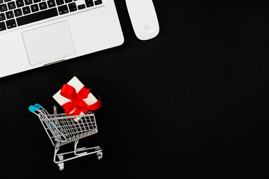 11 Reasons to Sell Courses Online
