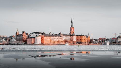 Бесплатное стоковое фото с архитектура, вода, город