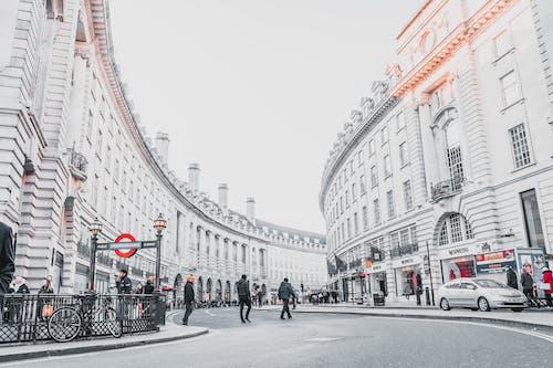 Бесплатное стоковое фото с автомобиль, архитектура, бизнес