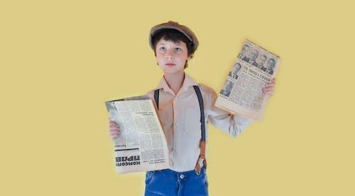 Základová fotografie zdarma na téma barevný, chlapec, číst