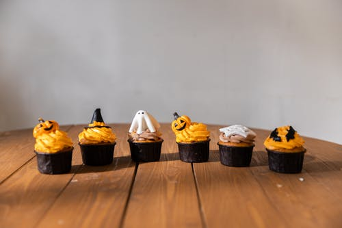 Halloween Cupcakes on the Table