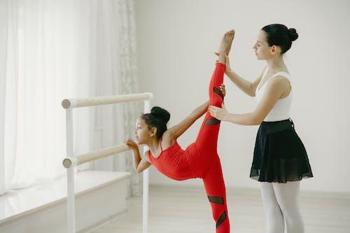 Gratis stockfoto met aantrekkelijk mooi, actief, ballet, binnen