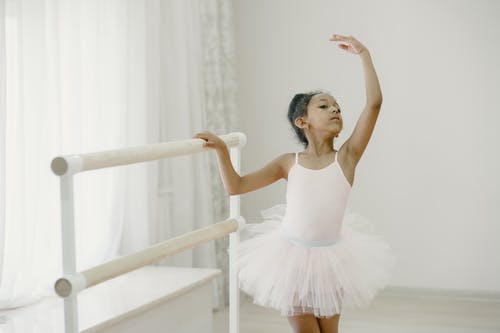 Безкоштовне стокове фото на тему «активний, баланс, балерина, балет»