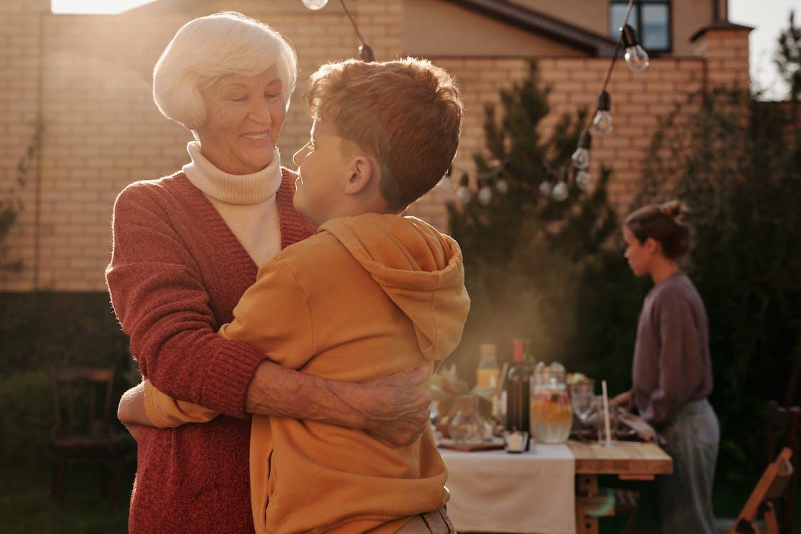 khuyến nghị cải thiện hệ thống nhập cư liên quan đến đoàn tụ gia đình