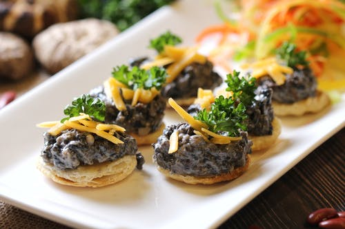 Chopped Oysters on Crispy Crackers
