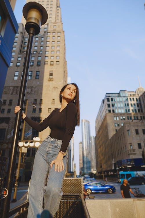 Gratis stockfoto met architectuur, bedrijf, binnenstad, boodschappen doen
