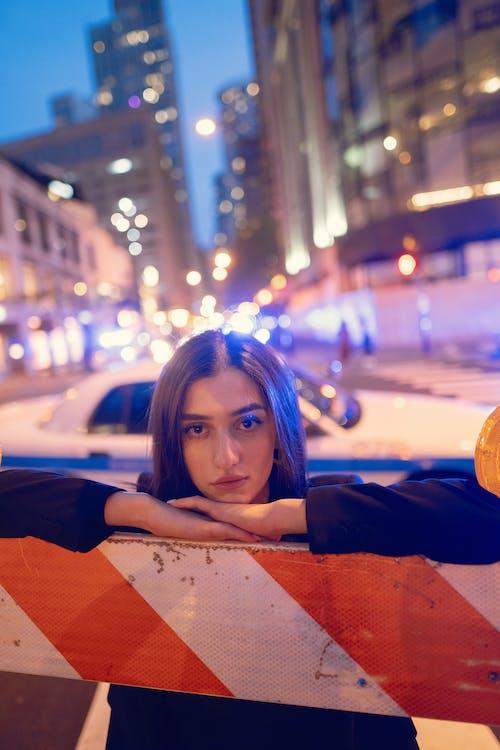 Gratis stockfoto met auto, binnenstad, boodschappen doen, bruiloft