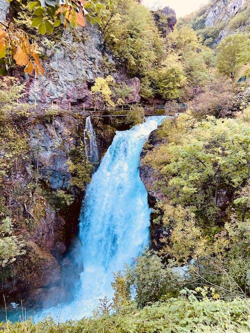 Fotos de stock gratuitas de agua, aguas azules, cascada, cascadas