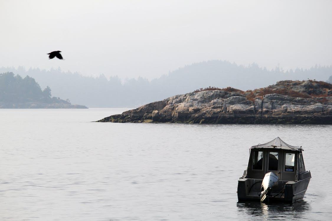 bateau, bowen island, canada