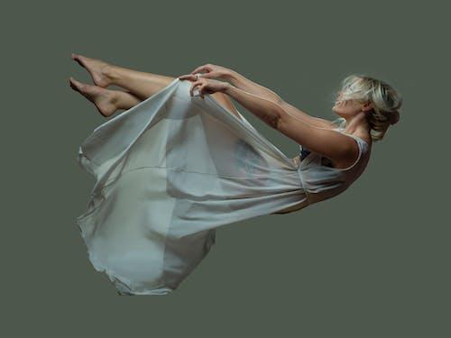Fotos de stock gratuitas de cayendo, mujer, que cae