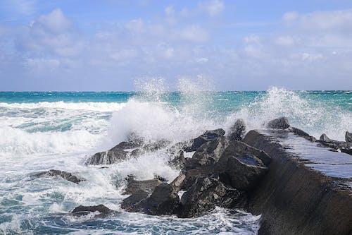 Бесплатное стоковое фото с atlantic ocean, beautiful sky, big wave
