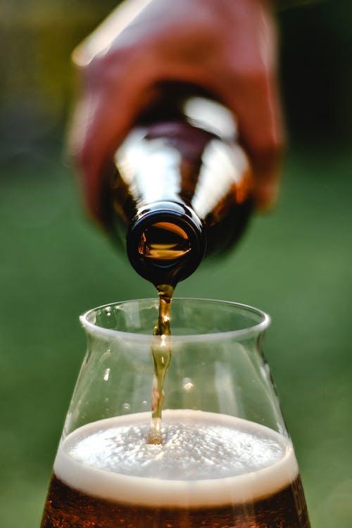 Gratis arkivbilde med alkohol, alkohol flaske, alkoholholdig drikke