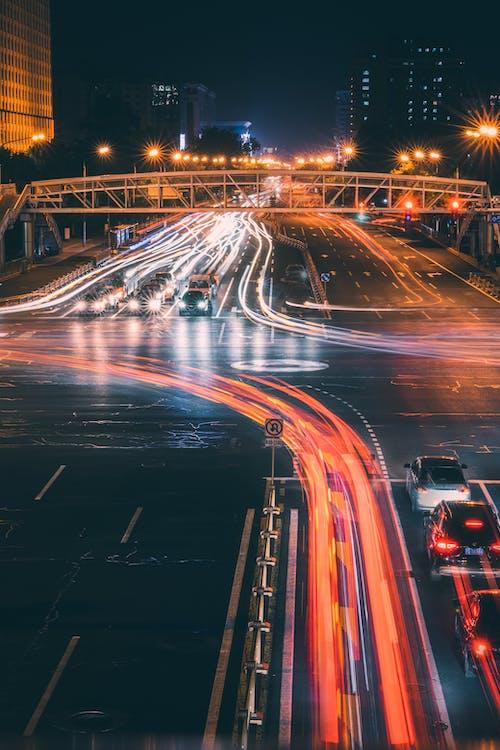 Бесплатное стоковое фото с автобус, автомобиль, быстрый, вечер