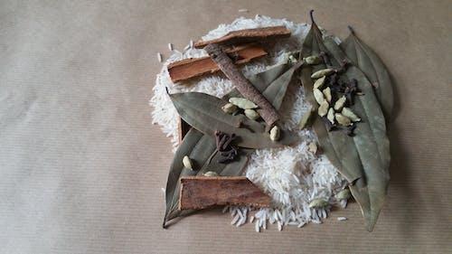 Free stock photo of basmati rice, bay leaf, cardamom