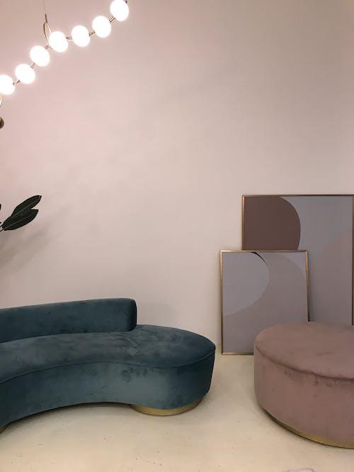 Foto d'estoc gratuïta de arquitectura, buit, cadira, casa