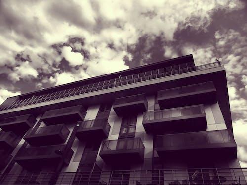 Δωρεάν στοκ φωτογραφιών με αρχιτεκτονική, αρχιτεκτονικό σχέδιο, ασπρόμαυρο, γυάλινα αντικείμενα
