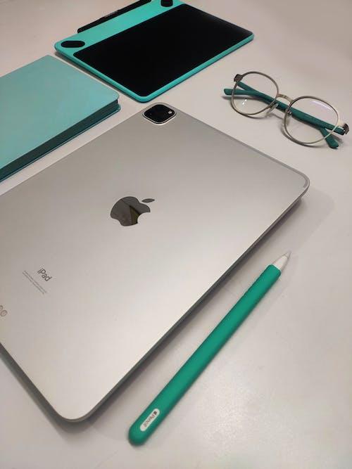 Free stock photo of apple, apple pencil, ipad