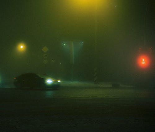 Kostenloses Stock Foto zu abend, auto, baum, dämmerung