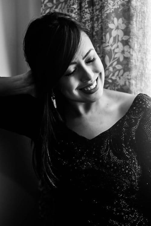 Free stock photo of beauty, black and white, girl, smile