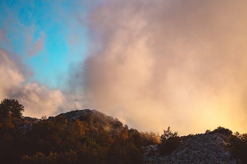 Δωρεάν στοκ φωτογραφιών με βουνό, ομιχλώδης, όρος