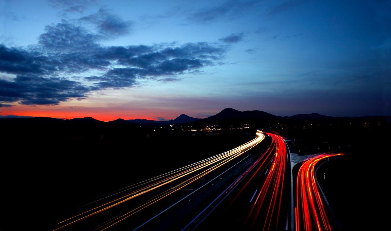 asfalt, autostrada, chmury