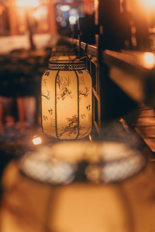 Бесплатное стоковое фото с в помещении, глубина резкости, горящая свеча, горящий