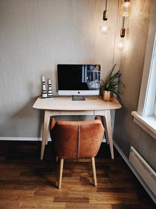 Základová fotografie zdarma na téma apartmán, apple, design interiéru, domácí kancelář