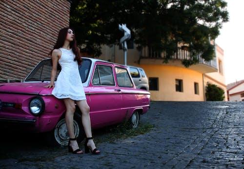 Imagine de stoc gratuită din alb, drum, fată, fată în drees