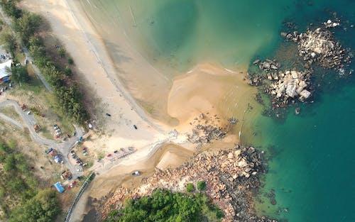 Δωρεάν στοκ φωτογραφιών με ακτή, άμμος, από πάνω, εναέρια άποψη