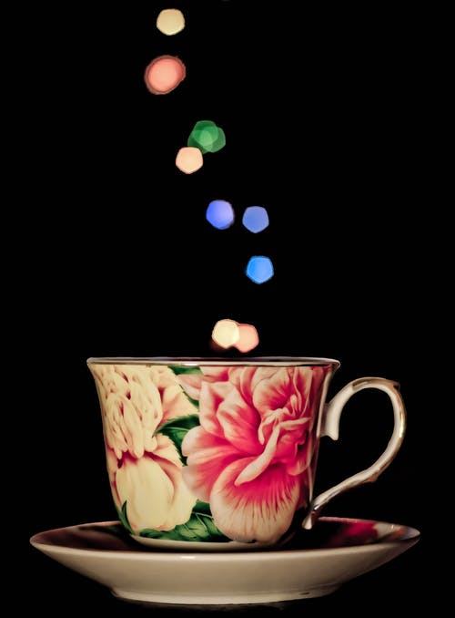 Kostenloses Stock Foto zu lichtspur, tasse, tee-tasse, untertasse