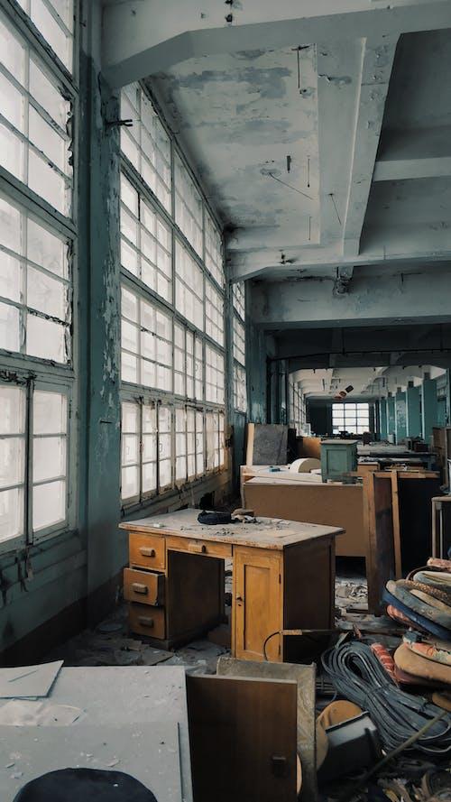 Fotos de stock gratuitas de abandonado, adentro, almacén, arquitectura