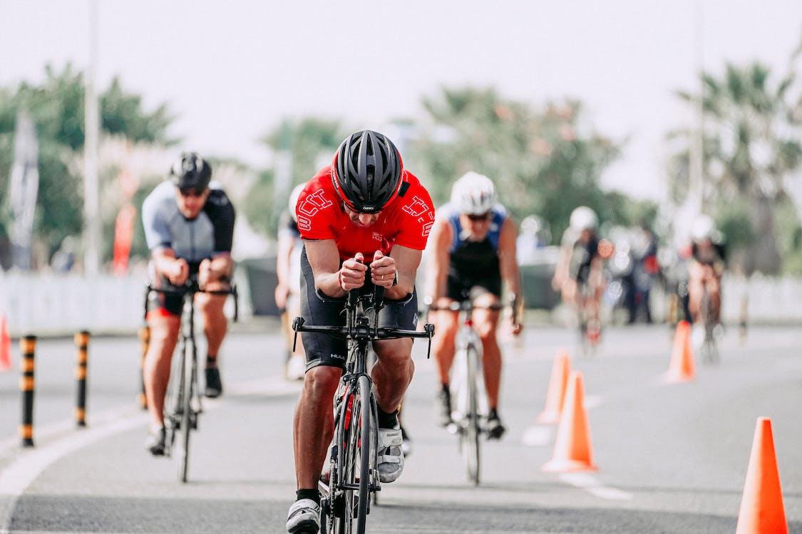 Immagine gratuita di abbigliamento sportivo, adatto, andare in bicicletta