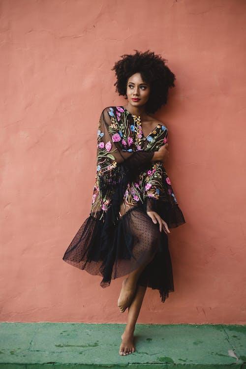 Základová fotografie zdarma na téma afro, afroameričanka, černoška
