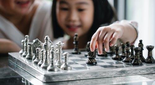 Fotos de stock gratuitas de adentro, afecto, afición, ajedrez