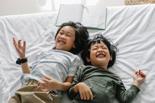 Δωρεάν στοκ φωτογραφιών με bonding, αγόρι από Ασία, αδελφή