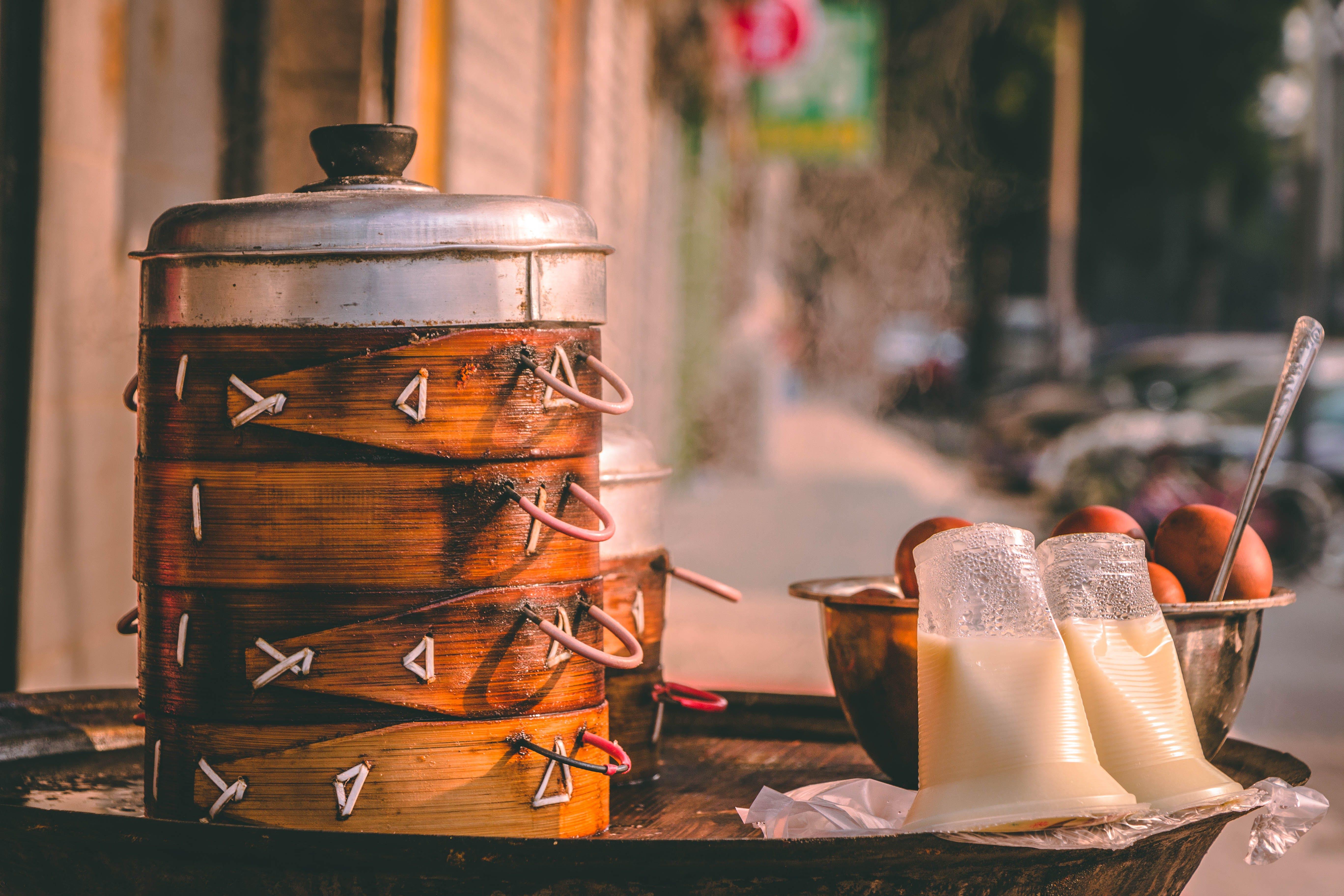 Kostenloses Stock Foto zu asiatisches essen, container, eier, gekochte eier