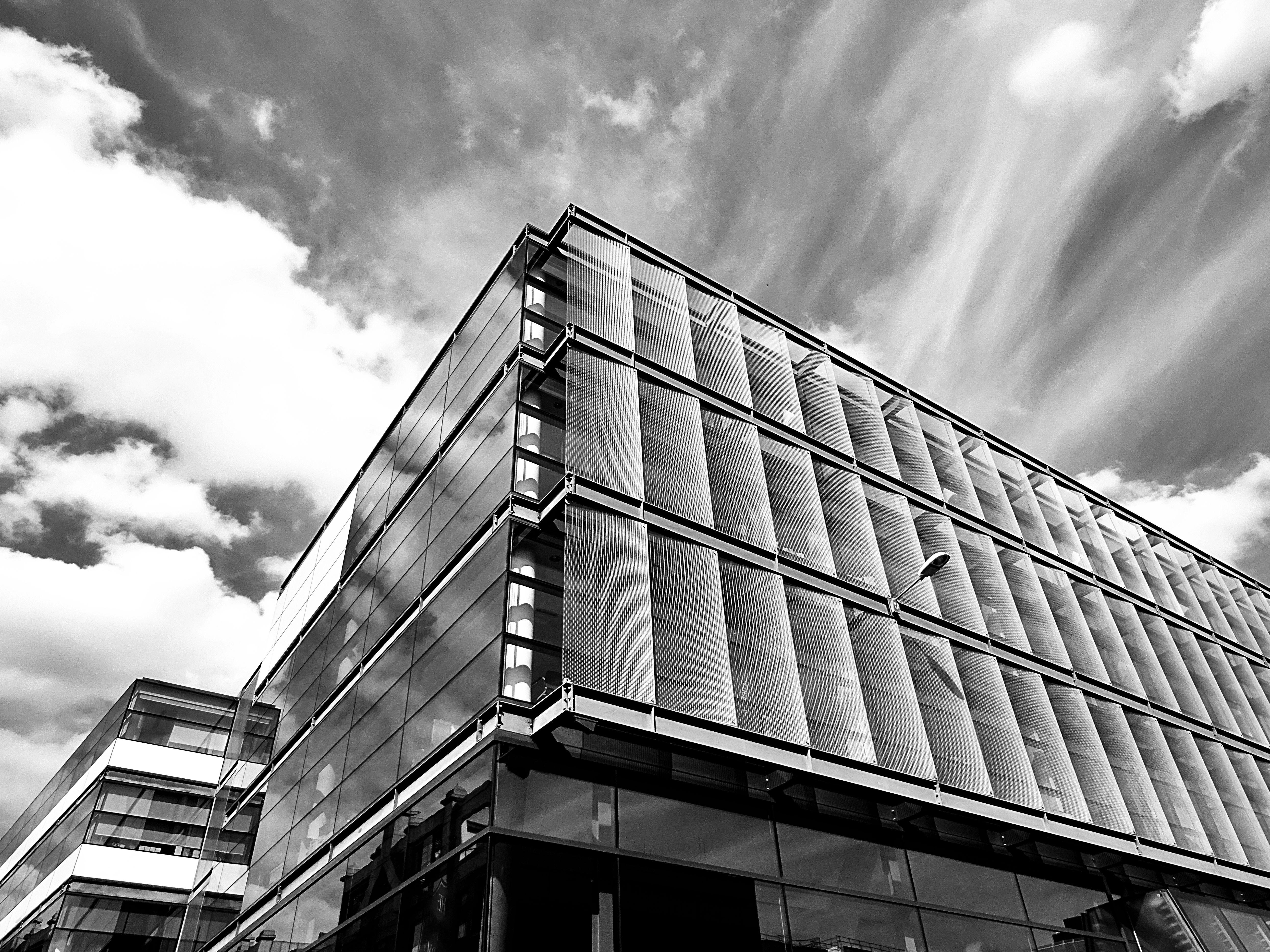 architecture building pexels einfarbig architektur aufnahme unten kostenloser fotograf
