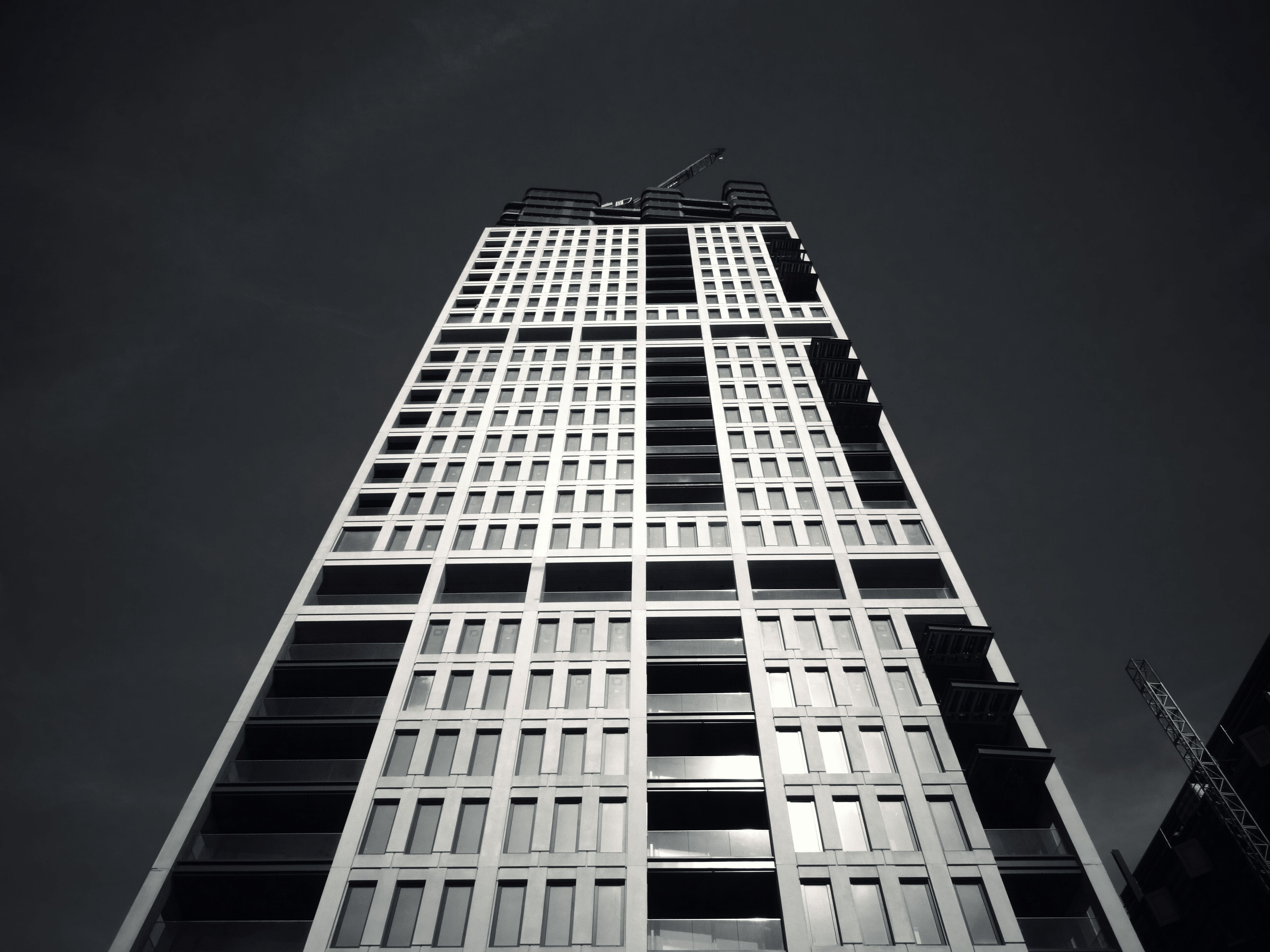 Gray-scale Building