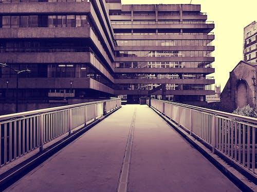 Gratis arkivbilde med arkitektonisk design, arkitektur, bro, by
