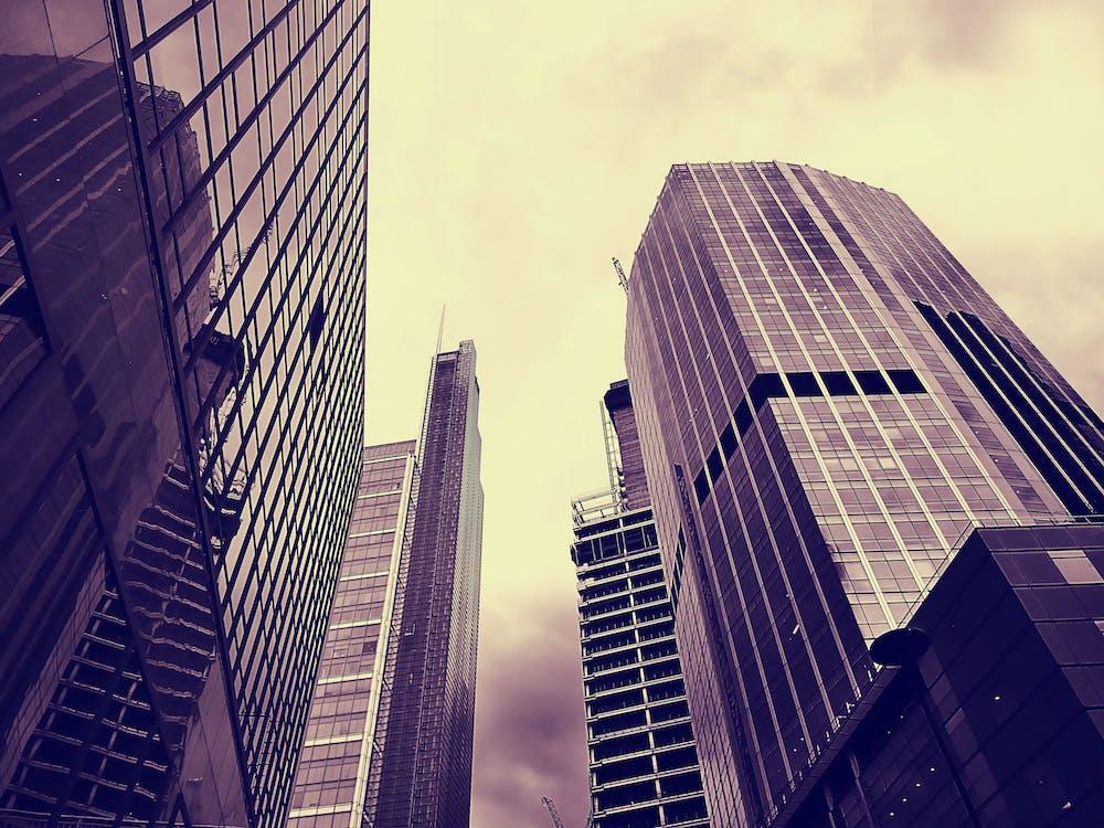 ตัวเมือง, ตึก, ตึกระฟ้า