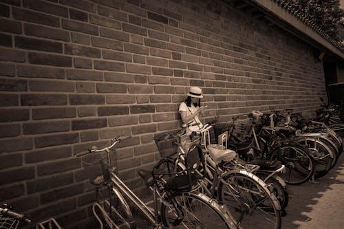 Безкоштовне стокове фото на тему «їздити на велосипеді, азіатська дівчина, велосипед, велосипедна рама»