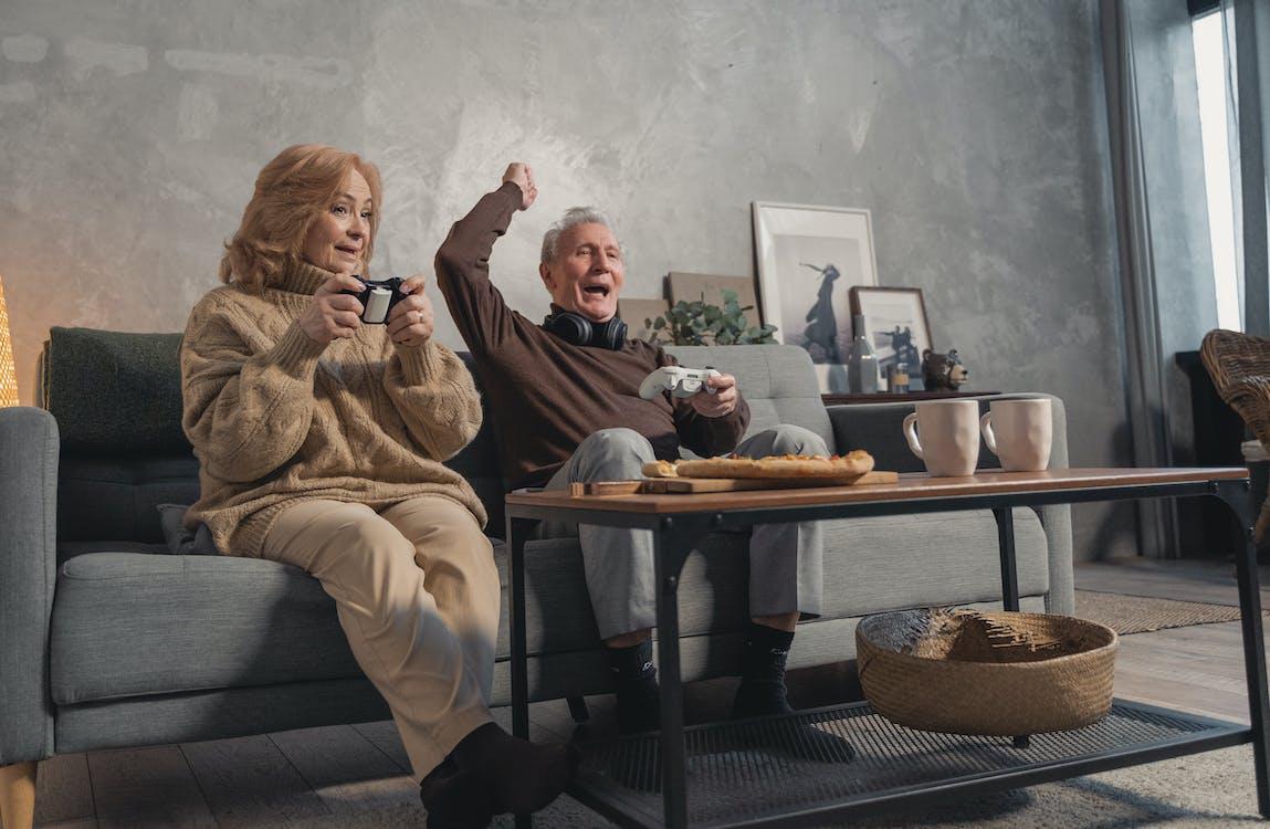 adam, aile, anneanne içeren Ücretsiz stok fotoğraf