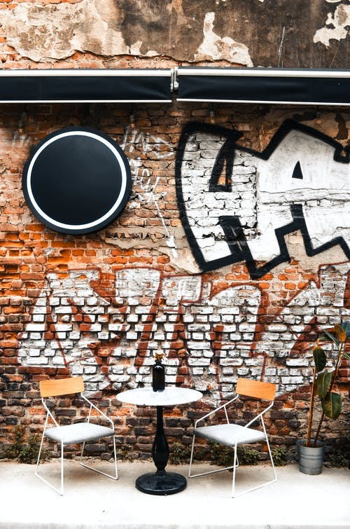 Gratis stockfoto met architectuur, baksteen, bakstenen muur, bouw