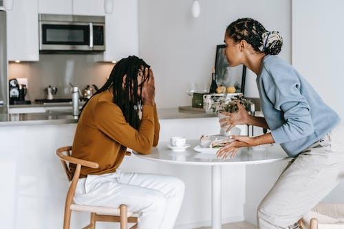 Fotobanka sbezplatnými fotkami na tému afro-americký pár, argumentovať, čierny pár