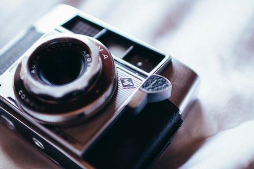 Foto profissional grátis de aparelho, borrão, câmera, clássico