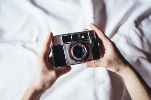 Free stock photo of hands, camera, vintage, lens